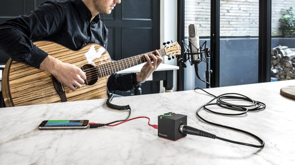 iPhoneに直接ハイレゾオーディオを録音できる「iTrack One Pre」、ファンタム電源もイケます