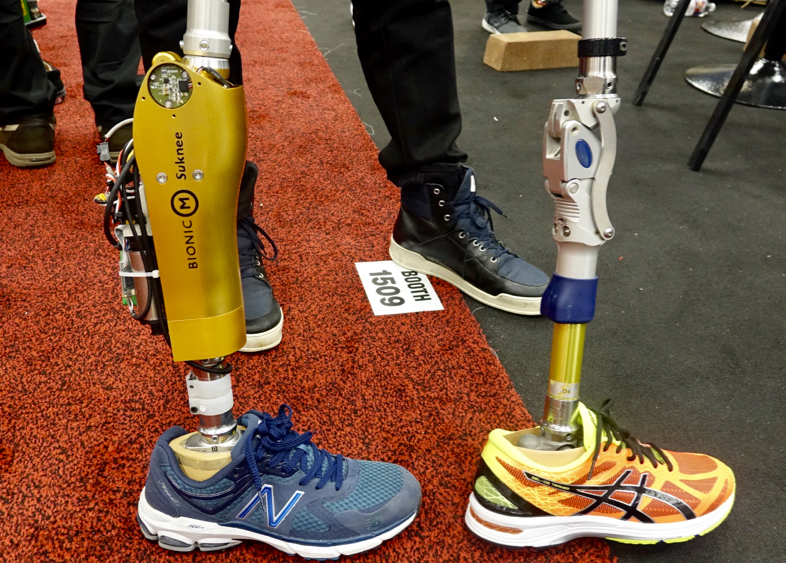 東京大学チームBionicMのロボット義足「Suknee」2
