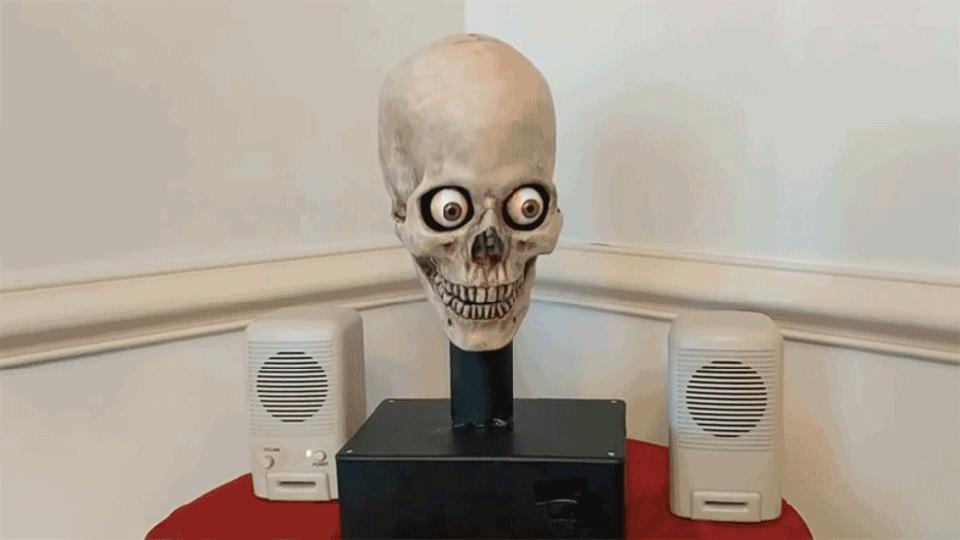 AmazonのAIアシスタントAlexa、しゃべる頭蓋骨になる