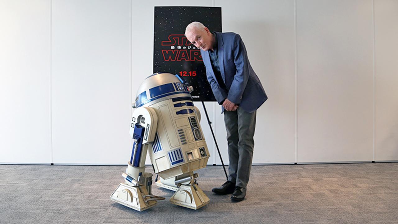 『スター・ウォーズ』のC-3PO役、アンソニー・ダニエルズが仰天発言を連発:「とにかく大変で孤独を感じる仕事でした」