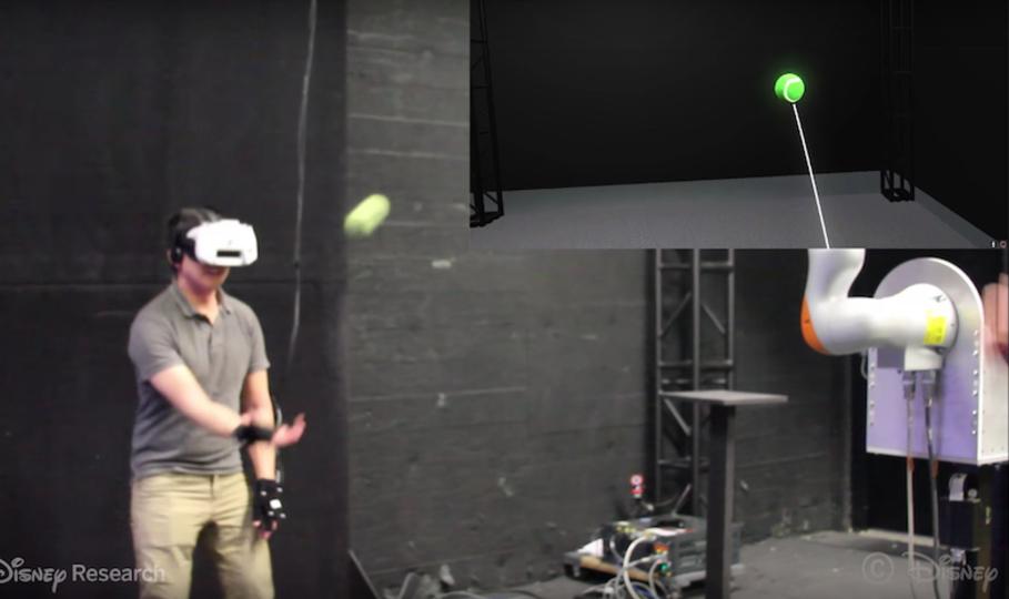 VRかつAR...新しい! VR世界にいながらリアルなボールをキャッチ