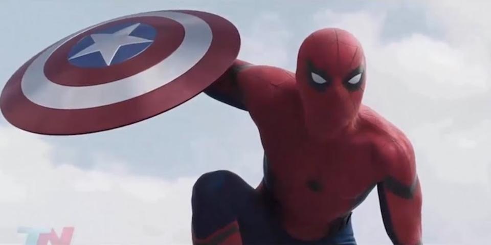 新スパイダーマンの「目の動き」を再現したコスプレ用マスクが登場!