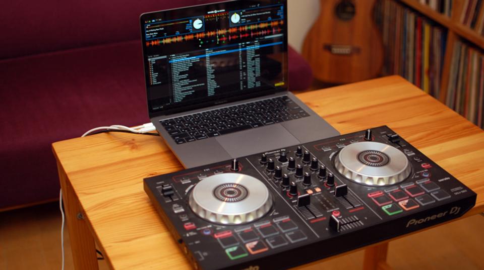 「聴くだけ」から「遊ぶ」に音楽をSWITCH。DJを始めるための方法、ガイドします