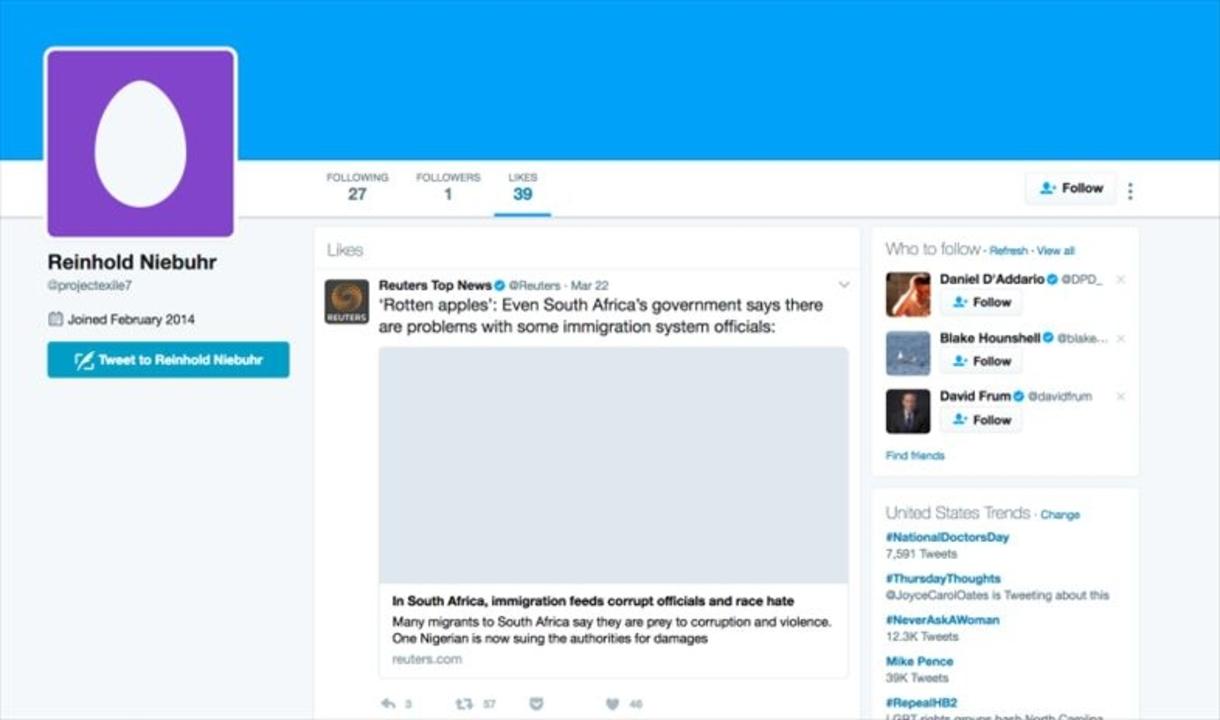 これがたぶんFBI長官の極秘Twitterアカウント。4時間で特定しました