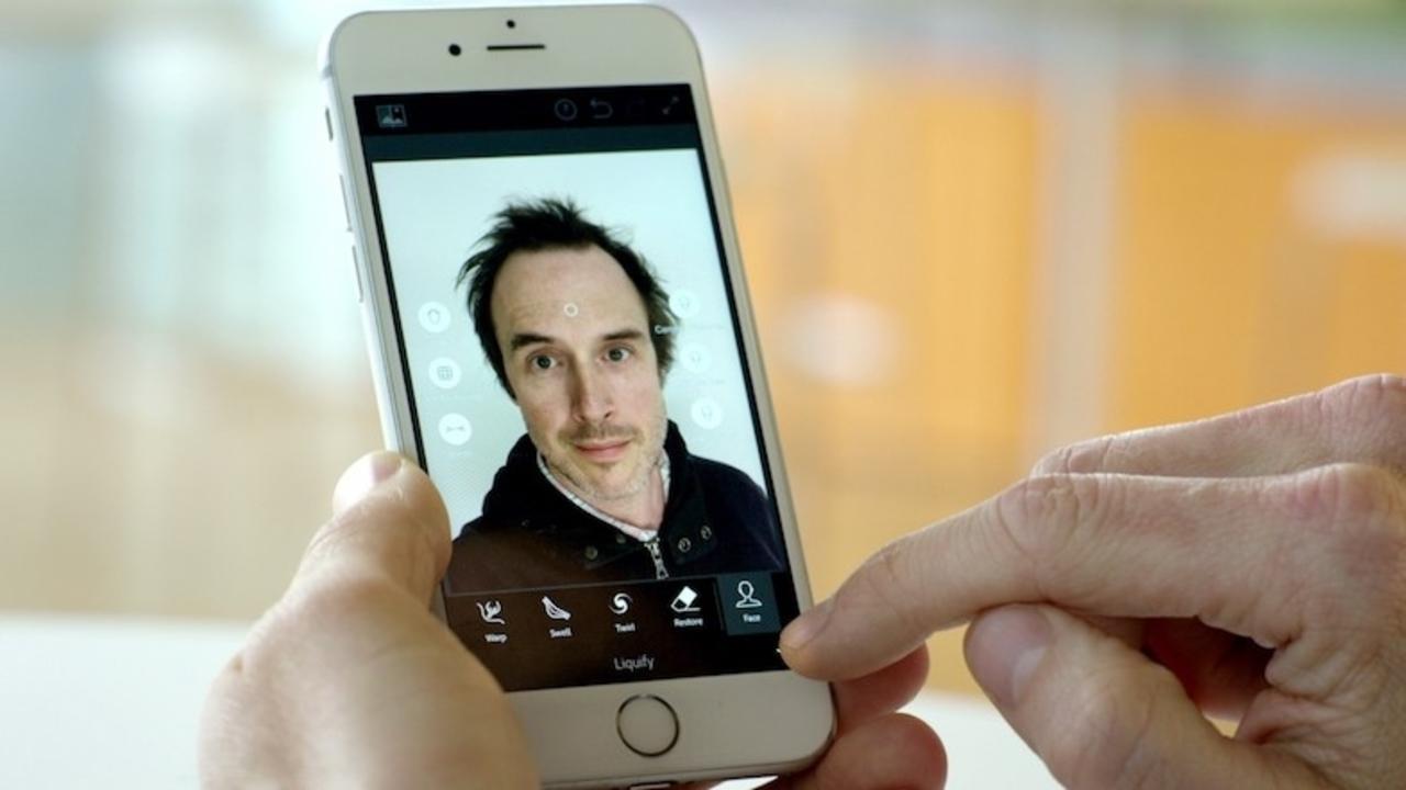 Adobe発、もっと簡単にもっと魅力的な自撮りを「作る」アプリ