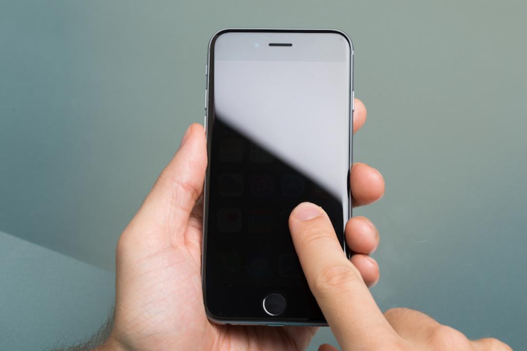 Apple、Samsungに有機ELディスプレイを大量発注。やはりiPhone 8に搭載か?