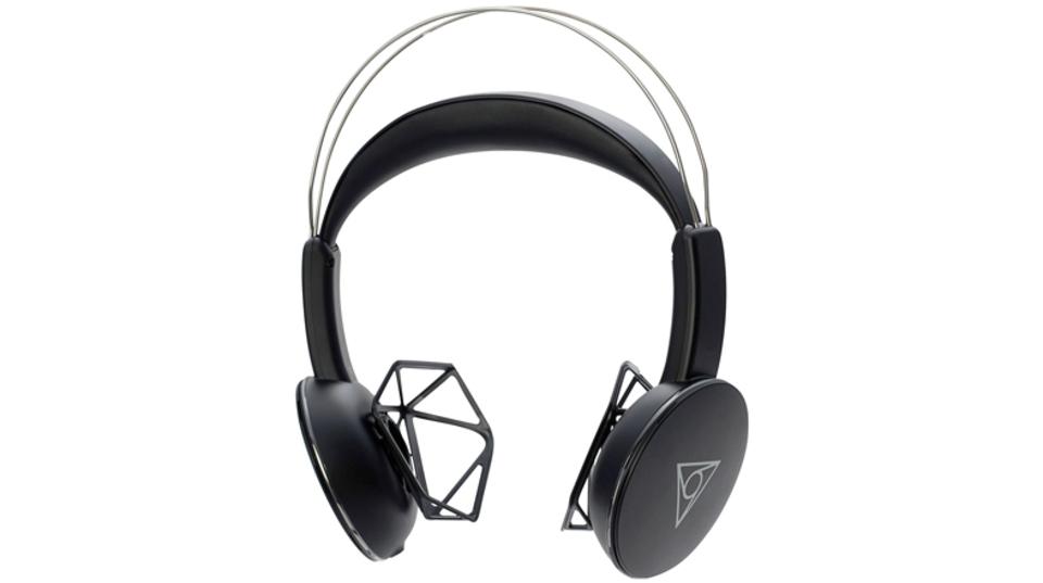 3Dデザインが実現した、蒸れとの決別。 耳が痛くならないヘッドホン「VIE SHAIR」で春を楽しもう!