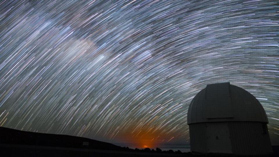 流星群、見られなかった方へ。人の光が届かないからこそ美しい星空タイムラプス