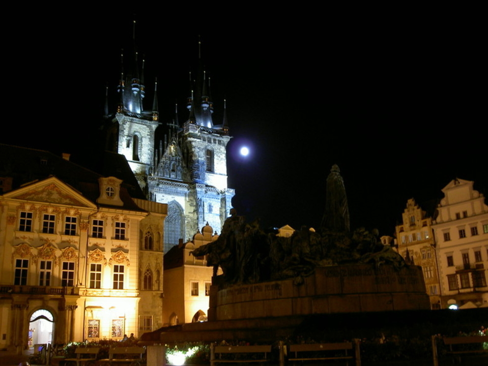 チェコ共和国と首都プラハのちょっとダークな魅力12選+α