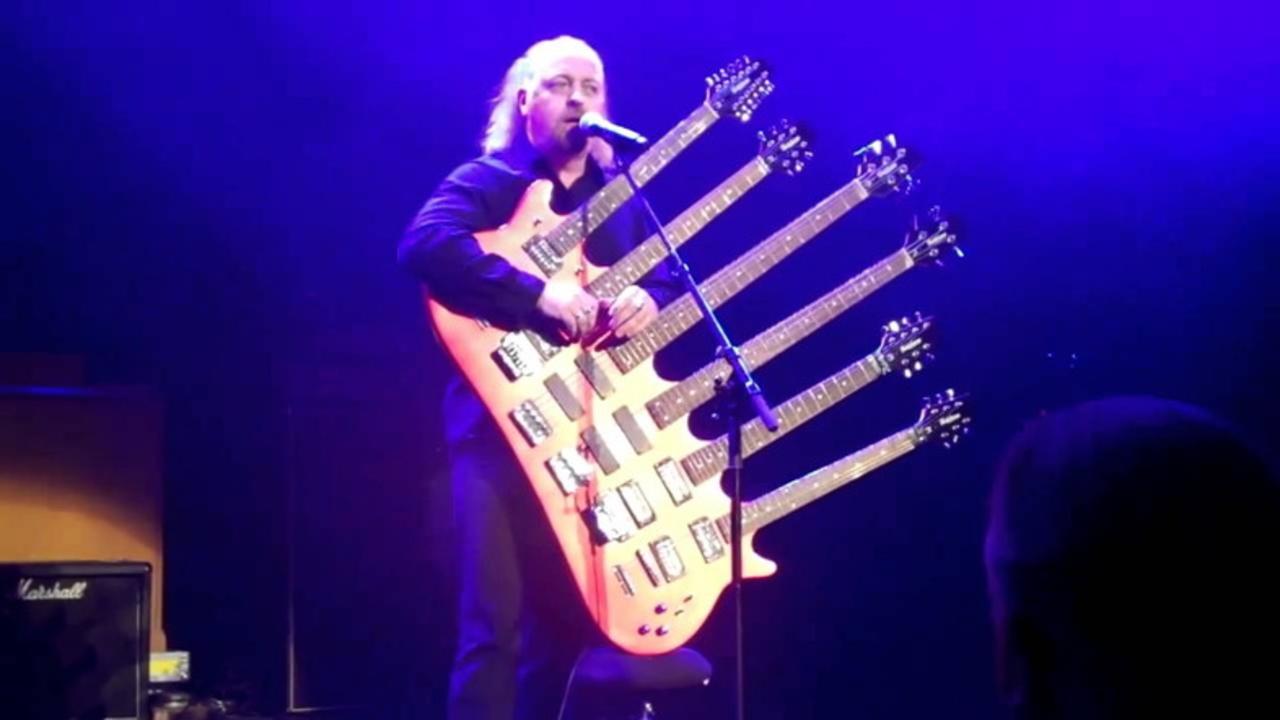 どうやって弾くの? 変態すぎる奇形ギター12選