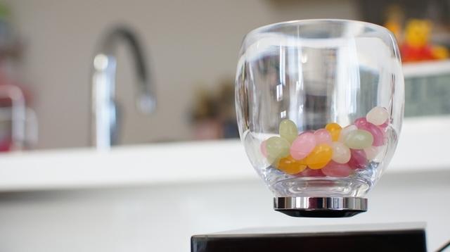 グラスが浮く『Levitating Cup』レビュー:科学少年だった僕らが求めていた空想世界