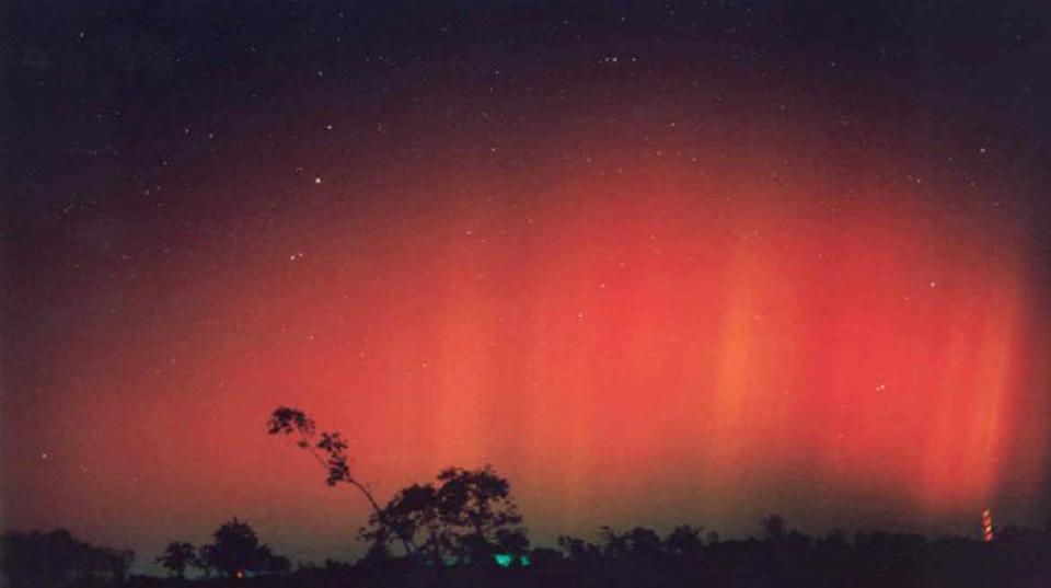 平安・鎌倉の歌人が残したオーロラの記録が、来たる太陽嵐を予測する