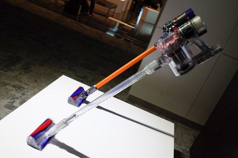 「ダイソン V7」は、ハイエンドV8の機構を取り入れた、ウェルバランスなミドルレンジコードレス掃除機