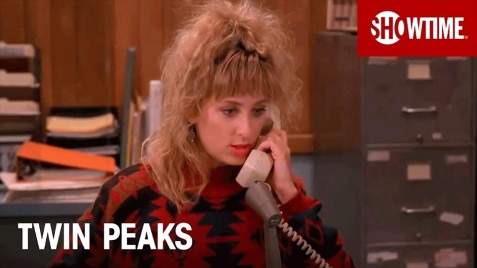 新シリーズに向けた、ドラマ『ツイン・ピークス』の電話に特化した映像