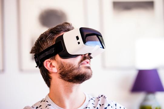 勝者は誰に? 主要VRヘッドセットの売上予測データが公開