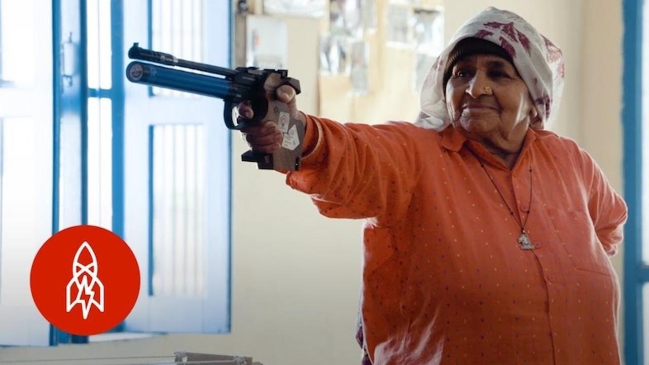 インドの田舎に84歳の凄腕ガンスリンガーお婆ちゃんがいた