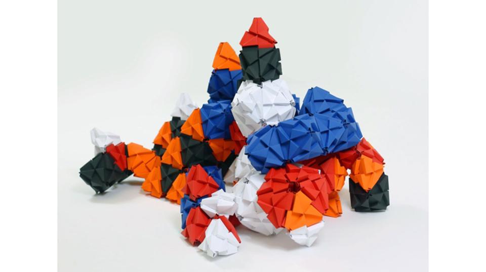 折って、つないでクリエイト。立体折り紙パズルという新ジャンル「TROXES」