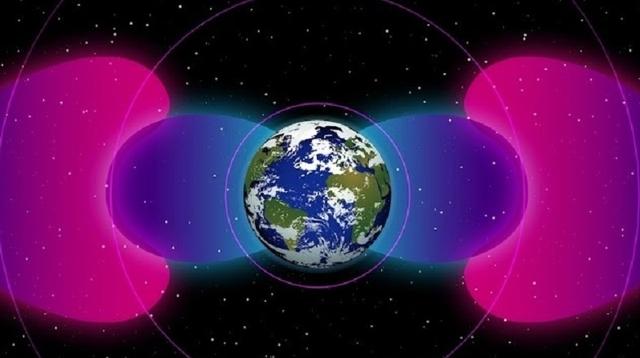 潜水艦の無線通信が、宇宙に地球シールドを作り出していた?