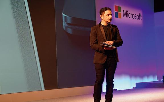 セキュリティ万全と謳われたSurface Laptopの新OS「Windows 10 S」脆弱性が証明される?