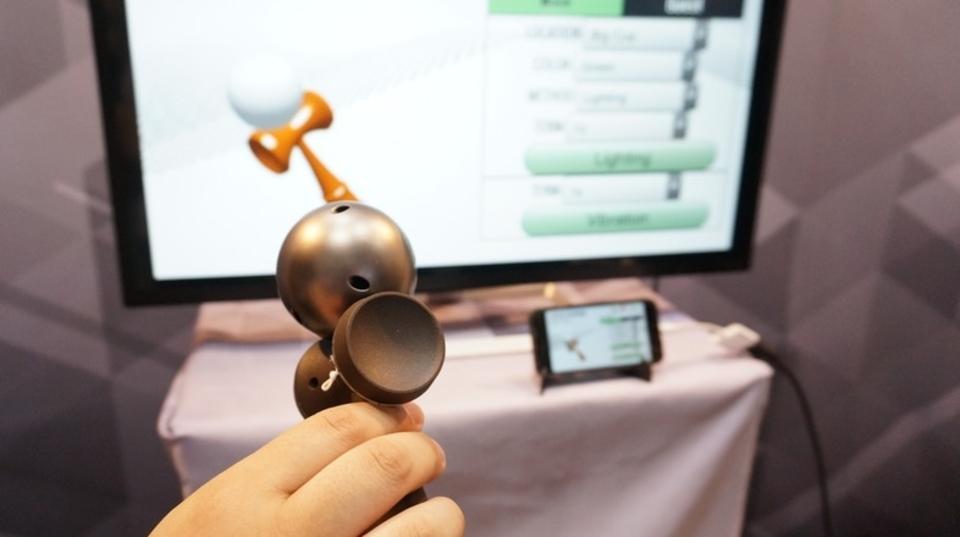 東京おもちゃショー2017:IoTけん玉「電玉」は伝統とテクノロジーの融合でゲームに進化