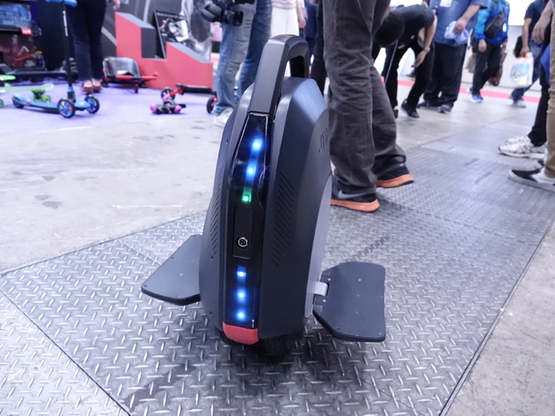 呼び覚ませ運動神経。バランス感覚で操る電動スクーター・電動スケボー「JYRO」にハマりそう5