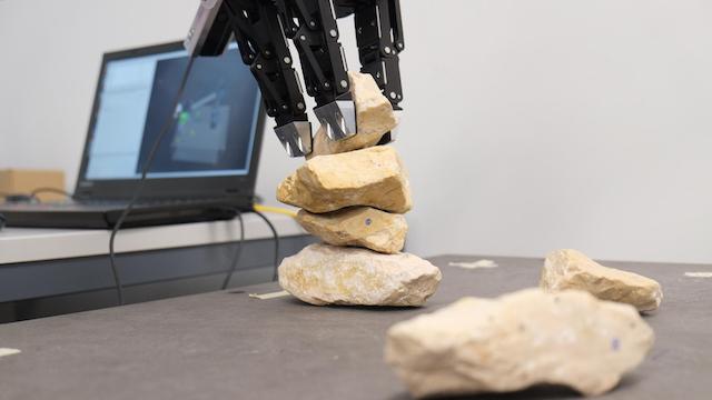 1 賽の河原も火星移住もクリア。非定型な石を積み重ねるロボット