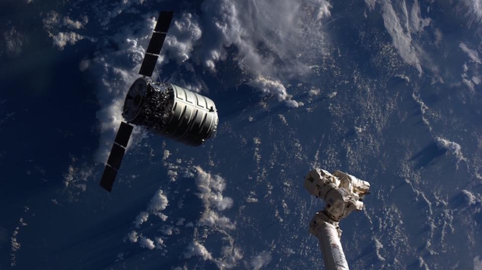 人類は宇宙でも火を手に入れる。NASAが3度目の火災実験を実施