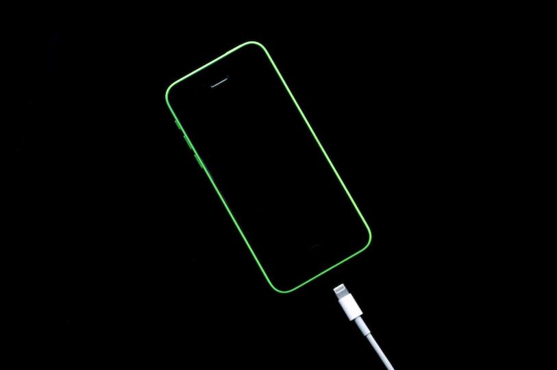 iOS 11ベータ版で「ワイヤレス充電」っぽい新しい効果音が見つかる。これはもしや!