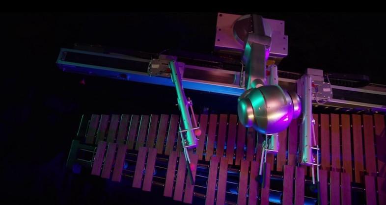 作曲も演奏も! ハイスペックなAIロボットが奏でるマリンバのメロディー