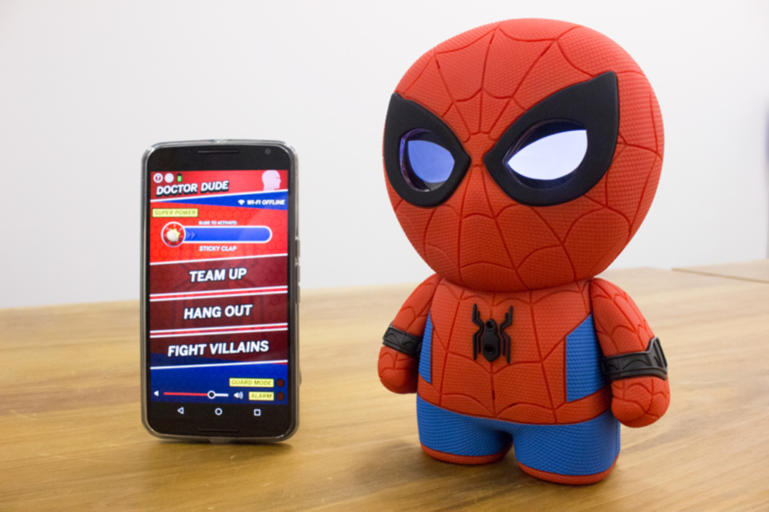 Spheroだけど動かない『スパイダーマン』のおしゃべりおもちゃと一緒に街の平和を守ろう