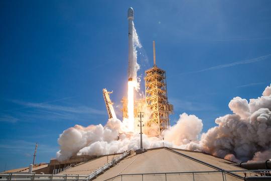 SpaceX、約48時間以内に2本のロケットの打ち上げ&着陸に成功! ペース早すぎ