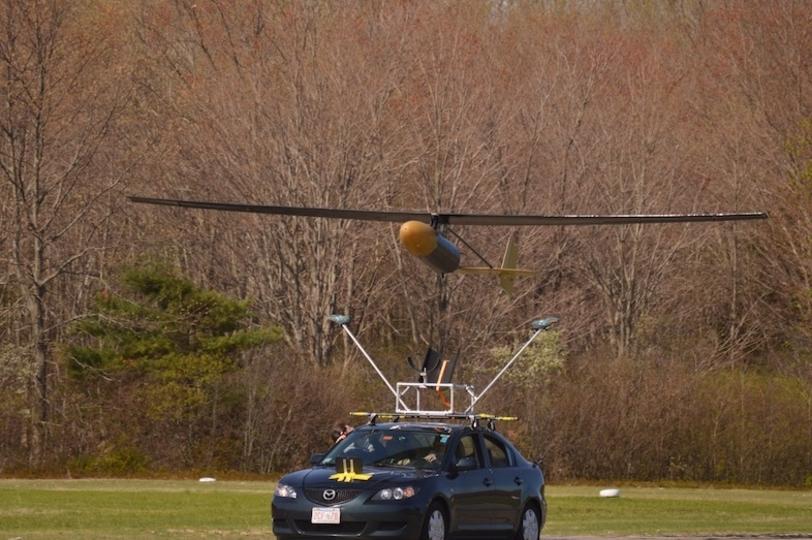 災害時の強い味方! 燃料チャージなしで5日間上空に待機できるドローン、MITが開発中