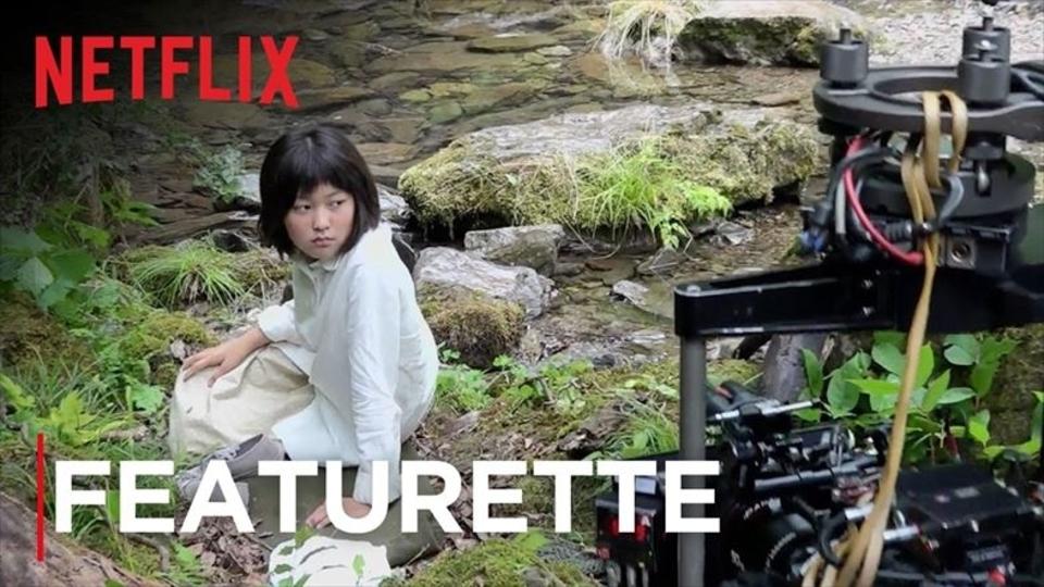 Netflix映画『オクジャ』の撮影裏映像。少女とブタの物語が肉食のぜひを訴えかける