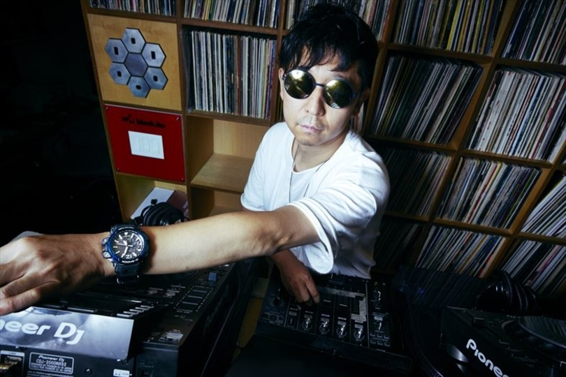海外で活躍するトップ DJ、☆Taku Takahashiの腕にふさわしい「G-SHOCK GRAVITYMASTER」