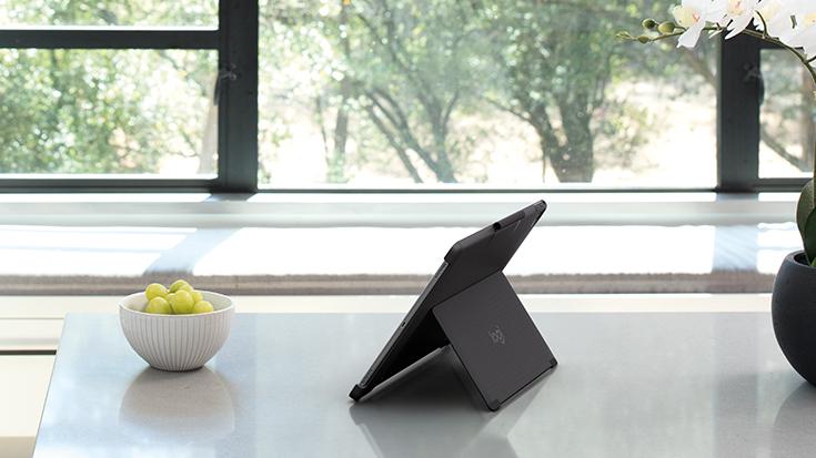 「iPad Pro の究極の友」? ロジクールのバックライトキーボードつきケース3