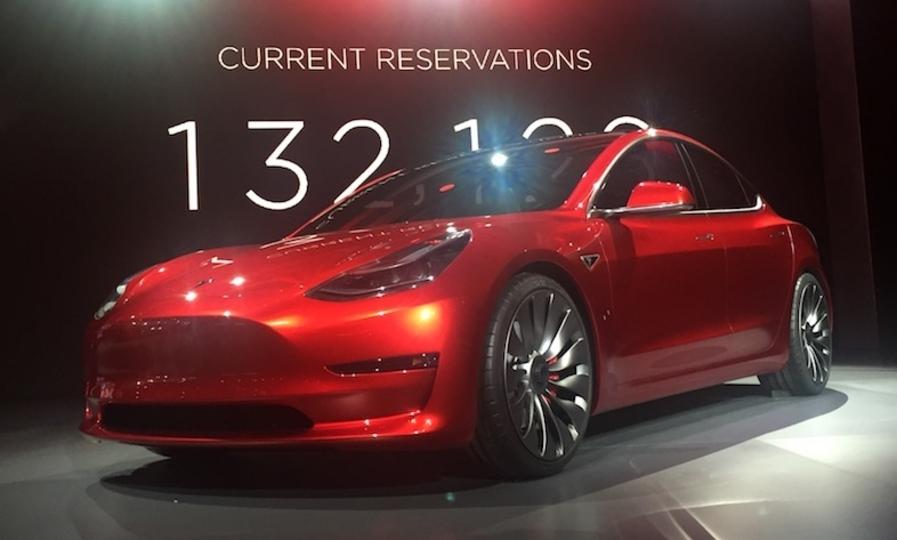 テスラの新型「Model 3」は7月28日に納車が始まる!
