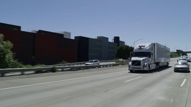 手離してる! Uberの自動運転トラック、進化を続けているようです