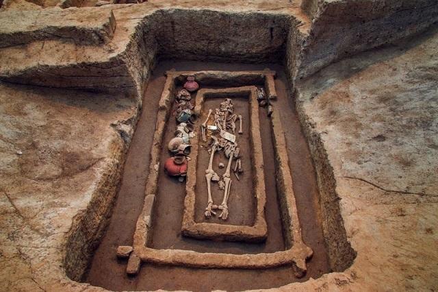1 5,000年前の中国では身長約180センチ越えの集団が存在していた