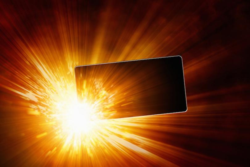 機内持ち込みを断られた男の、爆発する「怒り」と「モバイルバッテリー」