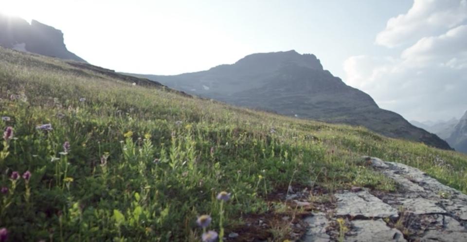 週末リラックスにぴったり! 世界の山々の絶景10時間ぶっ通し動画