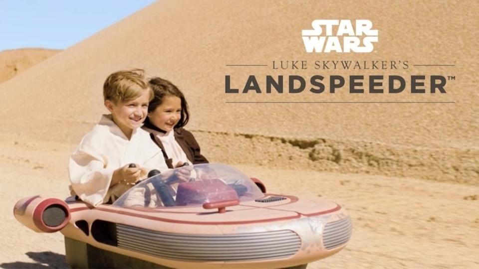 映画『スター・ウォーズ』の公式お子様用ランドスピーダーが登場。目指せ、ちびっこルーク