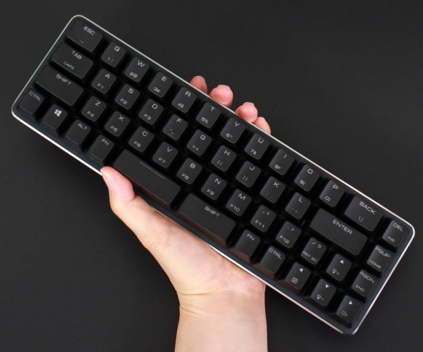 省スペースキーボードマニアよ。この変則49キーが使えるか?