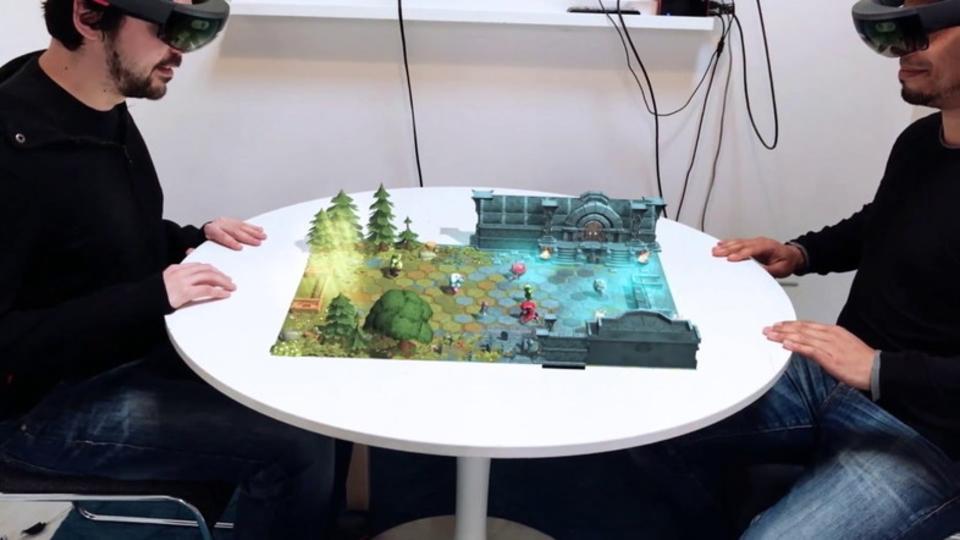 まるで『スター・ウォーズ』のアレ! HoloLensで飛び出すARボードゲーム『エシュロン』