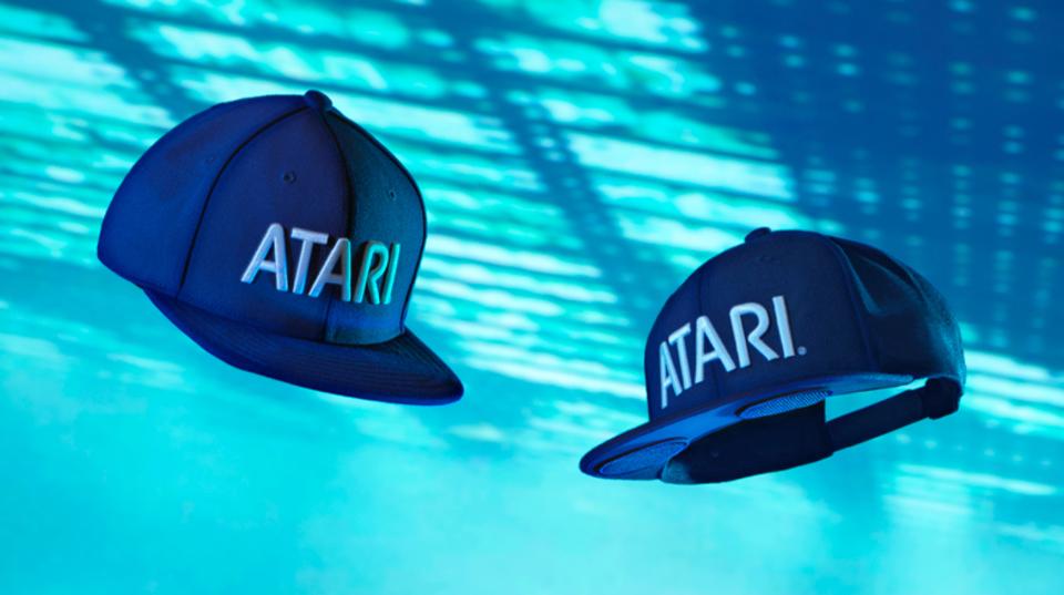 ATARIがスピーカー内蔵のベースボールキャップ「Speakerhat」を発表