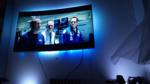 3 ゲームにもっとハマりたいならこれ。映像に合わせてTVから後光が差す「DreamScreen」レビュー