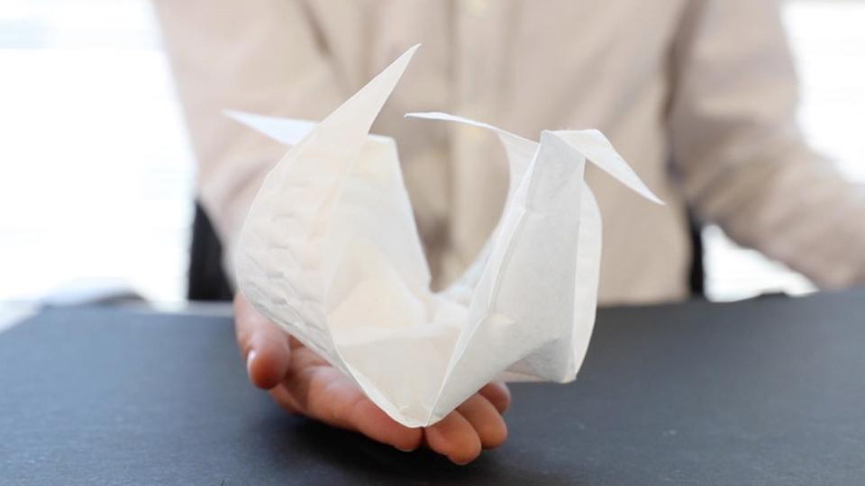 MITがプログラミングでトランスフォームする折り紙を発明