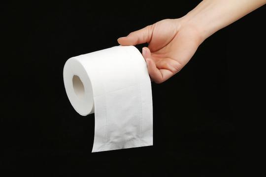 顔認証スキャンしないとトイレットペーパーがもらえない中国の公衆トイレ