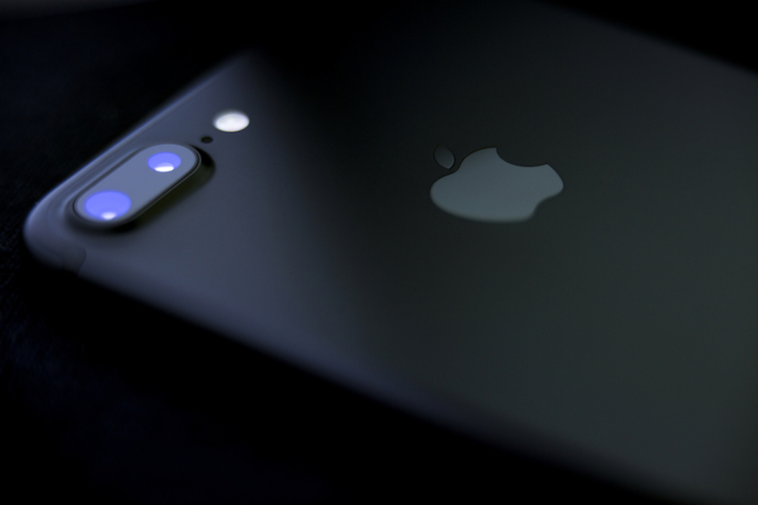 iPhone 8に新情報。背面と前面の両カメラで4K/60fps動画撮影が可能に?