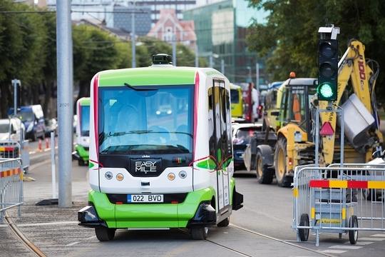 エストニアで無人運転バス導入。信号無視するワイルドな一面も