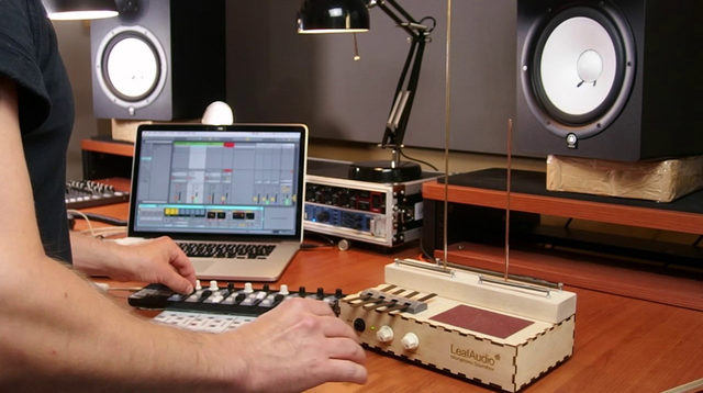 お化け屋敷で聞いたらヤバそうな音…DIYサウンド生成マシン「Microphonic Soundbox」